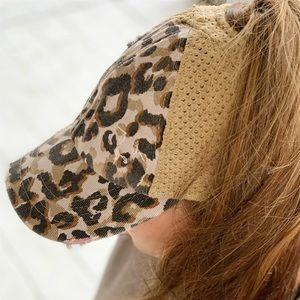 🆕 Leopard Print Knit Cap